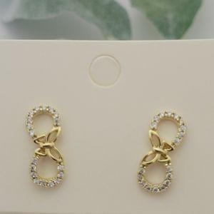 infinity symbol shape earring